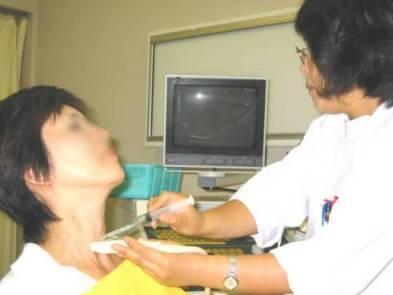 甲状腺生検の様子